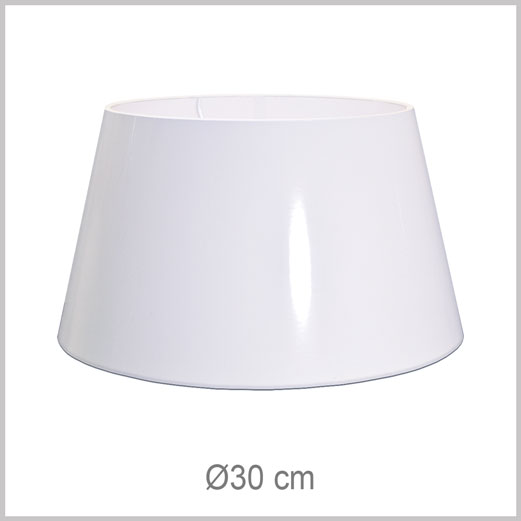 Medium Drum shaped lampshade with European fitter E27 for European lamp sockets